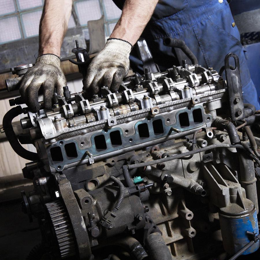 Ask the car guy how can carbon build up impact my engine virginia auto service auto repair for Mecanicin